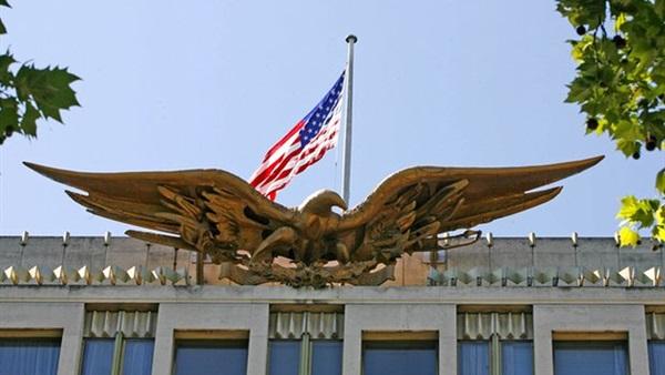 تحسباً لردود افعال شعبية عنيفة.. اتخاذ إجراءات أمنية مشددة في السفارات الأمريكية قبيل نشر