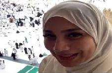 بسمة وهبة تؤدي العمرة بعد ساعات من طلاقها