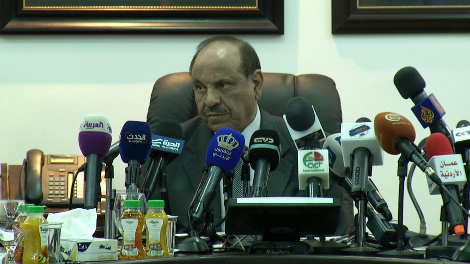 وزير الداخلية يتعهد بتخصيص رجال امن عند