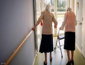 عمرها 102 عاماً وتقتل جارتها التسعينية بطريقة بشعة في دار للمسنين