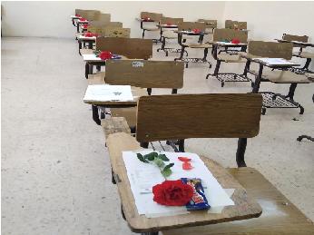 وسط باقات الورود.. ارتياح لدى طلبة التوجيهي لمستوى امتحان اللغة الانجليزية