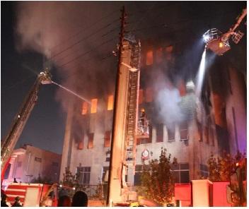 بعد جهود مشتركة.. إخماد حريق واسع فيمصنع البلاستيكبمنطقة ماركا