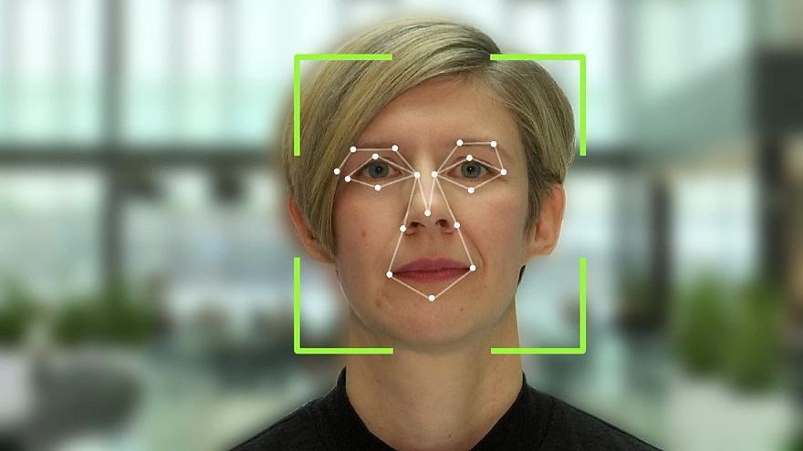 مدرسة في السويد تستخدم كاميرات الذكاء الاصطناعي لمراقبة طلابها/ فيديو