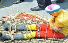 العثور على جثة ساحر هندي غرق أثناء قيامه بخدعة تحت الماء/ فيديو
