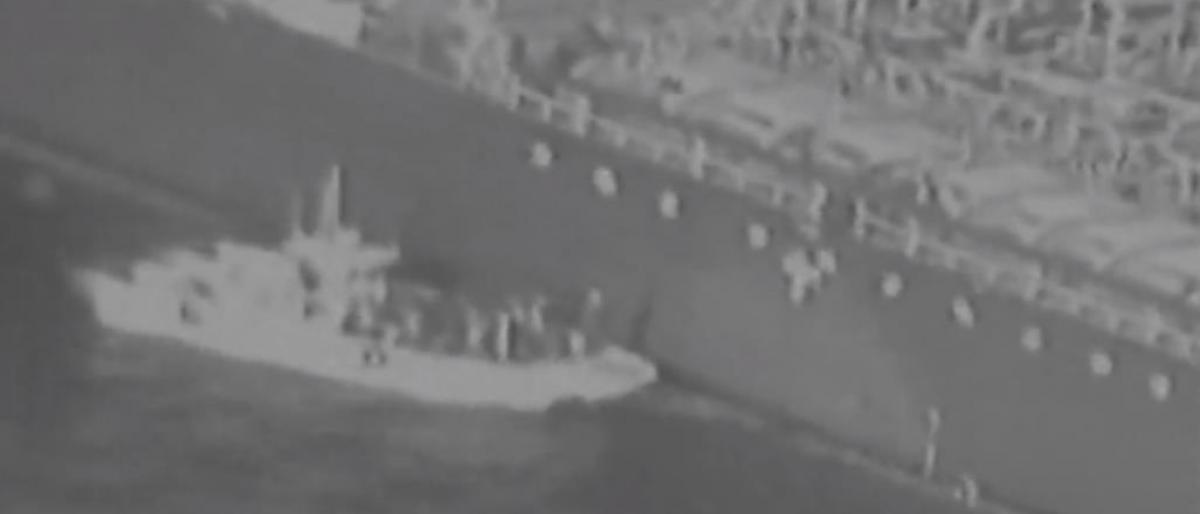 أمريكا تنشر شريطاً غامضاً في محاولة بائسة لاثبات تورط إيران بهجوم خليج عمان/ فيديو