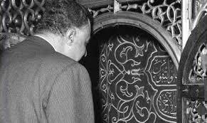 عبد الناصر كان يحتفي بـعيد الفطر بتناول تمرة وزيارة لضريح الحسين
