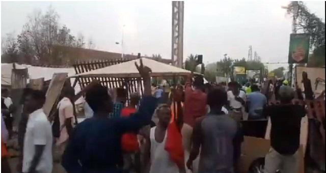 مذبحة بشعة.. 13 قتيلا في اقتحام قوات سودانية لموقع اعتصام في الخرطوم منذ صباح اليوم/ فيديو
