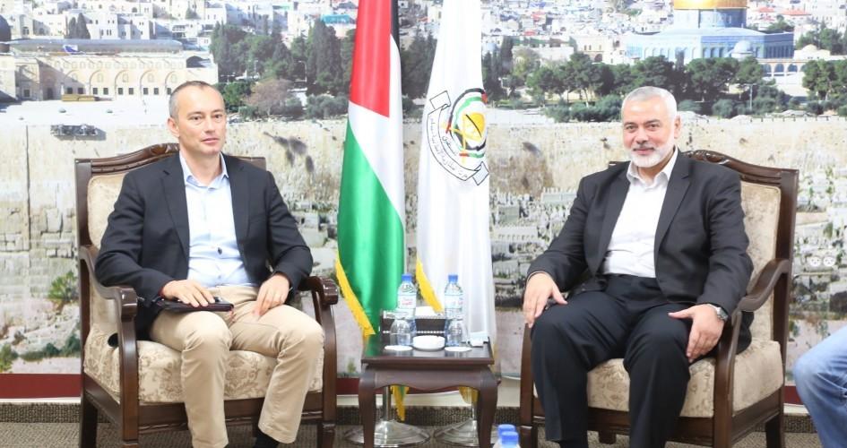 قادة حماس يبلغون ميلادينوف بأنهم سيجبرون إسرائيل على رفع الحصار