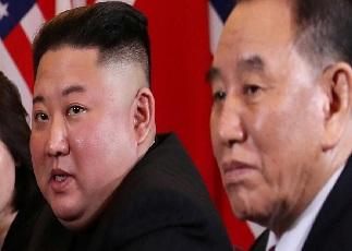 بعد شائعات إعدامه.. مسؤول كوري شمالي يظهر في حفل مع الزعيم كيم جونغ أون