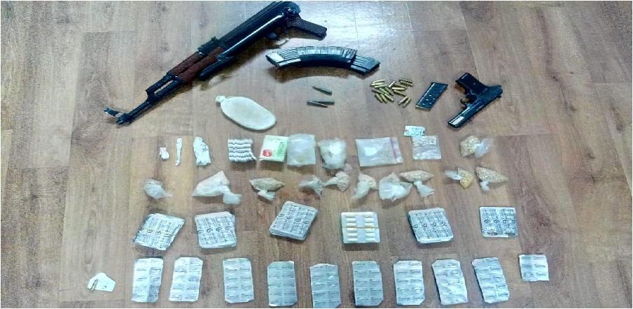 القبض على 3 مروجين للمخدرات حاولوا مقاومة رجال الامن في إربد