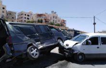 إصابة 3 أشخاص اثر حادث تصادم 3 مركبات في الشميساني
