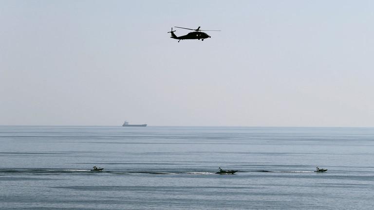 الحرس الثوري الايراني يعلن وقف ناقلة نفط أجنبية تحمل وقودا مهربا في مياه الخليج