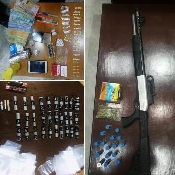 إدارة مكافحة المخدرات تضبط 10 أشخاص بحوزتهم مواد مخدرة وأسلحة