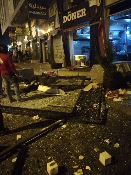 حريق بمطعم في شارع المدينة المنورة جراء انفجار اسطوانة غاز / فيديو