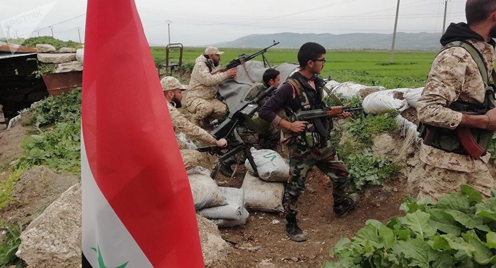 الجيش السوري يحرر خان شيخون ويفتح معبرا لخروج المدنيين من الجيب المحاصر بمنطقة صوران