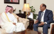 وزير الداخليةيبحث مع السفير القطري سبل تعزيز العلاقة ابين البلدين