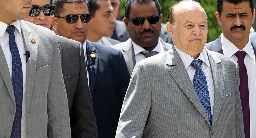 تصدع جبهة المعتدين.. الرئيس اليمني يدعو دولة الإمارات للخروج من بلاده خلال أيام