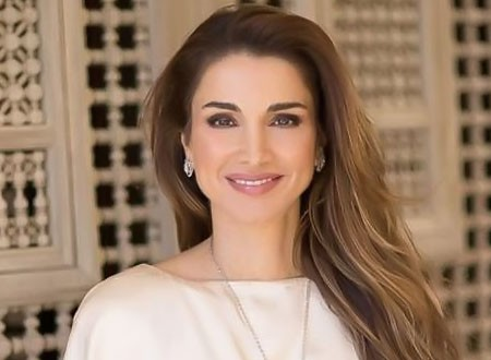 عبر صفحتها في فيسبوك.. الملكة رانيا تبعث اليوم برسالة عتب الى نفر من الاردنيين