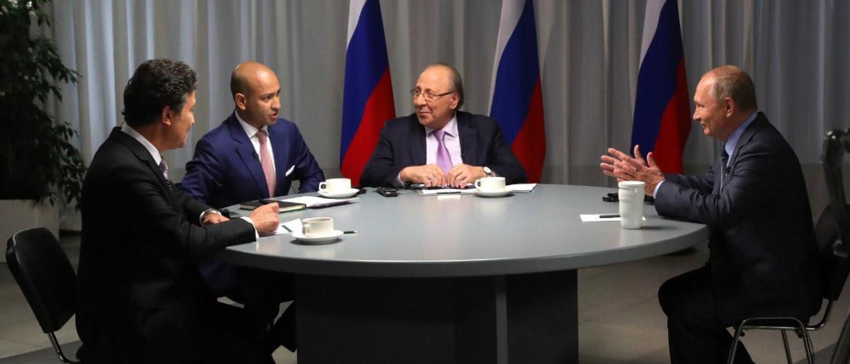 بوتين يشعل حرباً بين قناتي العربية السعودية وسكاي نيوز الاماراتية