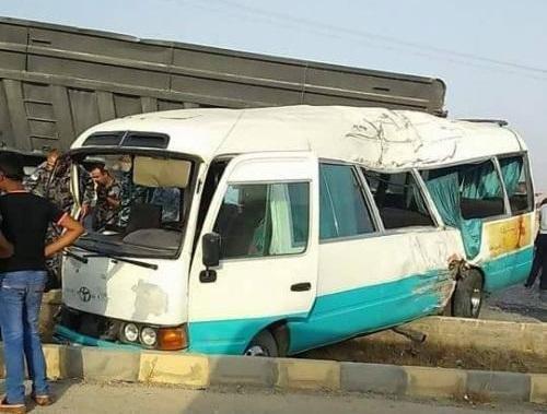 إصابة 10 أشخاص بحادث تصادم بين حافلة و 4 مركبات في منطقة خريبة السوق