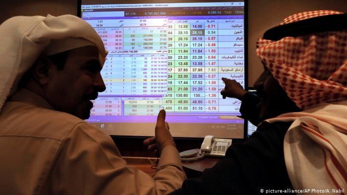 رؤية ابن سلمان وحرب اليمن يتسببان بعجز الموازنة وعزوف المستثمرين بالسعودية