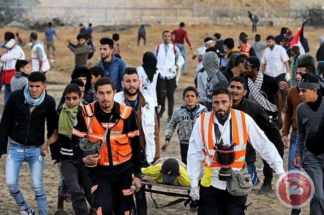 23 إصابة بينهم مسعف برصاص الاحتلال خلال مشاركتهم بمسيرات كسر الحصار بقطاع غزة/ فيديو