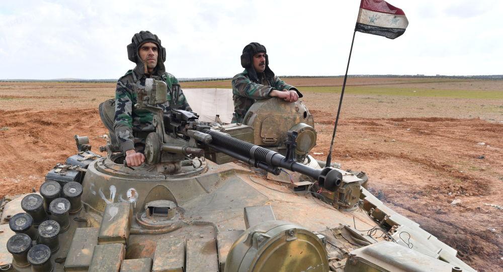 الجيش السوري يواصل قصفه للارهابيين شرقي حلب ووقوفه على بُعد أقل من 500 متر من معرة النعمان جنوب إدلب/ فيديو