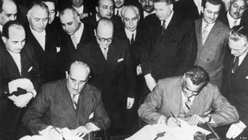 اليوم - ٢٢ شباط - ذكرى قيام الجمهورية العربية المتحدة بين مصر وسوريا عام ١٩٥٨ / فيديو انشودة الوحدة