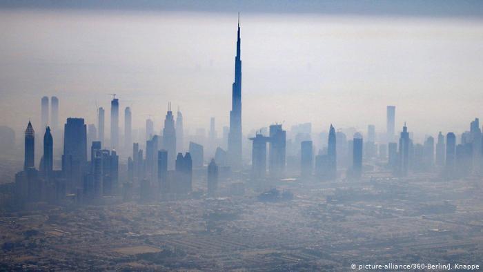 محللون ألمان: أحلام دبي تتحول إلى سراب في الصحراء