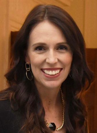 قدوة لرؤساء الحكومات.. رئيسة وزراء نيوزيلندا تتنازل عن 20 % من راتبها