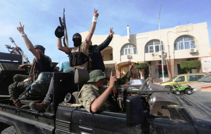 خشية تسللهم الى اراضيها.. روسيا تحذر من خطورة آلاف المرتزقة المشاركين من سوريا وليبيا في معارك قره باغ