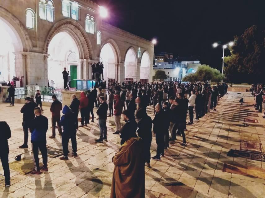 وسط التكبيرات والهتافات.. اليوم أول صلاة فجر في المسجد الأقصى المبارك بعد إغلاقه 69 يوماً بسبب الكورونا