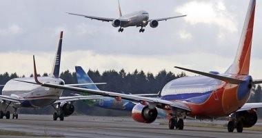 السفر بالطائرات فى زمن كورونا.. الركاب سينتظرون طويلا ويلتزمون بالتباعد الاجتماعي ويخضعون للفحص الطبي