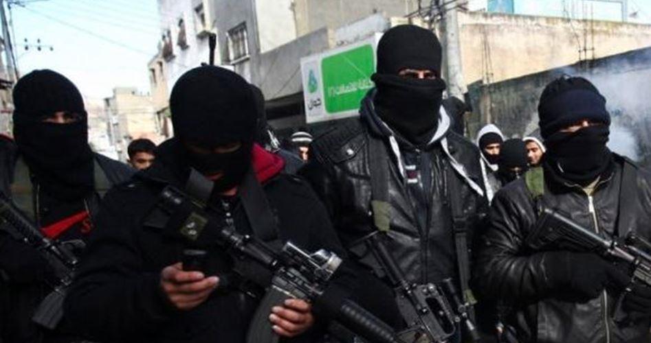 ظهور مسلّح لناشطين من حركة فتح يطلقون الرصاص في قلقيلية بالضفة الغربية لأول مرة منذ حلّ  كتائب شهداء الأقصى عام 2006 / فيديو