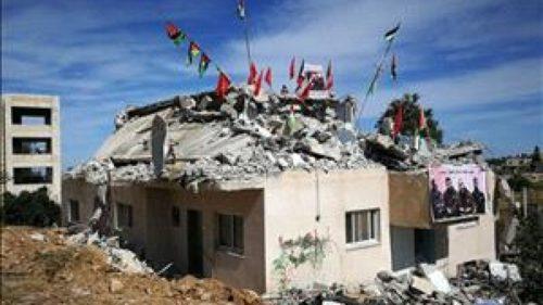 إدانات فلسطينية لهدم منزل الأسير قسام البرغوثي في بلدة كوبر بمنطقة رام الله فجر اليوم