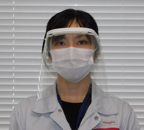 تصنيع أقنعة تغطي كل الوجه لوقاية العاملين في مواجهة كورونا