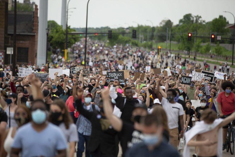 استعدادات لتظاهرات حاشدة في امريكا اليوم تنديدا بالعنصرية ومقتل فلويد.. وبايدن يصف تصريحات ترامب بـ