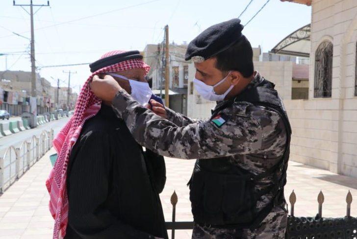 الأمن العام يشيد بالتزام مصلي الجمعة بالارشادات الصحية