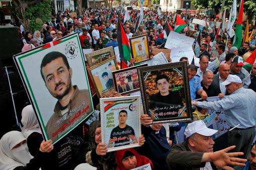 إسرائيل تنتظر ردا من حزكة حماس بعدما تقدمت لها عبر وسطاء بعرض جديد لإتمام صفقة تبادل الأسرى
