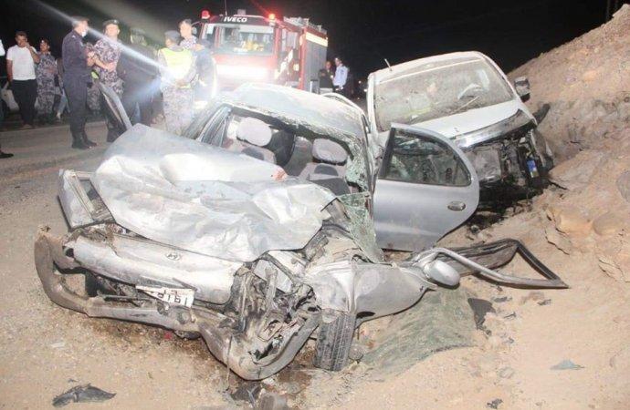 وفاة 4 أشخاص واصابة 5 آخرين في حادث تصادم بمنطقة الحسا