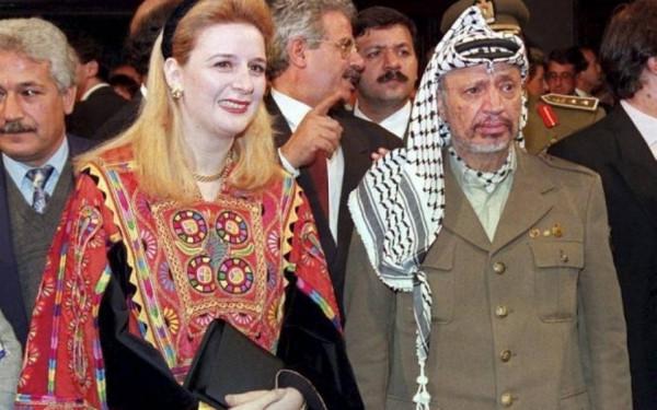 سهى عرفات: السلطة تعتبرني خائنة ولكني سافضح قادتها بما كتبه عنهم أبو عمار في مذكراته الموجودة بحوزتي/ فيديو