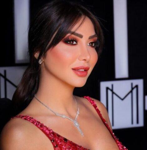 الممثلة السورية دانا جبر تعقب على تسريب صورها الساخنة