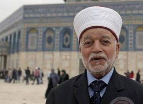 مفتي القدس يقدم استقالته من مجلس أمناء منتدى تعزيز السلم في أبو ظبي، لانه ايد التطبيع الاماراتي