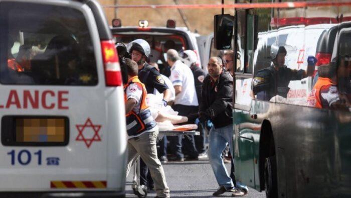 مقتل إسرائيلي متأثرًا بجراحه طعنًا قرب تل أبيب على يد فلسطيني من محافظة نابلس بالضفة المحتلة
