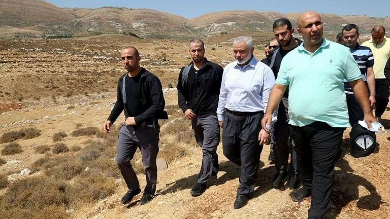 بعد 27 عاما من إبعاده و400 اخرين إلى مرج الزهور.. هنية يزور المنطقة ويشيد بالعلاقة الفلسطينية - اللبنانية
