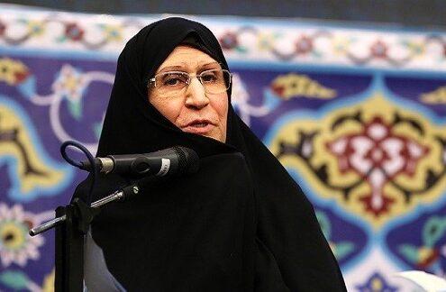 فيما يهرول اعراب الامارات والبحرين على التطبيع.. امرأة فارسية (ابنة الإمام الخميني) تنتخي لفلسطين