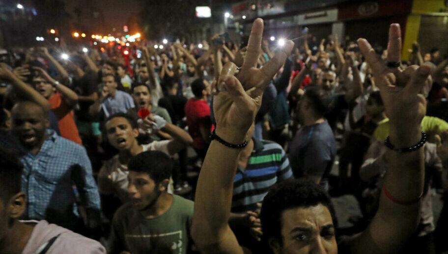 مقتل 3 أشخاص بنيران الأمن المصري خلال مظاهرات ضد السيسي