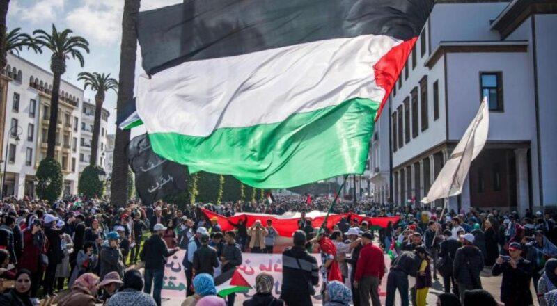 احتجاجات مغاربة ساخطة على تطبيع الامارات والبحرين مع إسرائيل