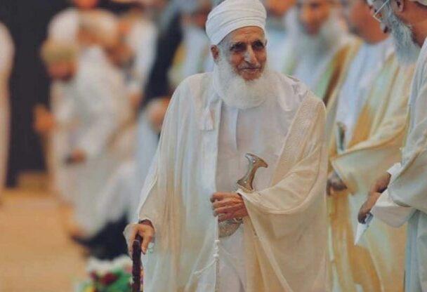 مفتي عُمان الشيخ أحمد الخليلي.. قدوة الرجال في نصرة فلسطين ورفض التطبيع