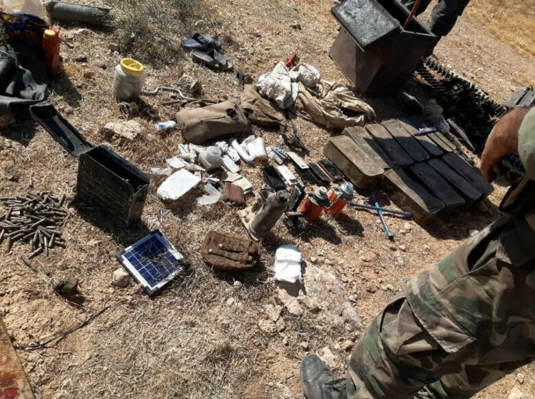 الجيش السوري يجندل مجموعة إرهابية مدعومة امريكياً حاولت التسلل الى مواقعة قرب السلمية بريف حماة الشرقي